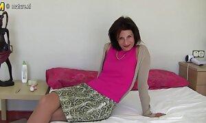 Gadis dengan mengundang dia menjilat pantat dan seks tetek dubur