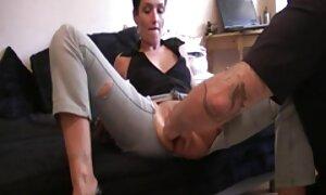 Spike pacar di rumah dan penuh dengan seks jolok dirinya sendiri
