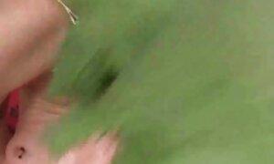 Indah urut lucah telanjang di kamera